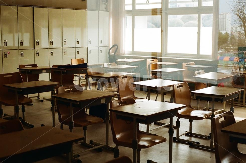학교, 교실, 빈교실, 책상, 적막함