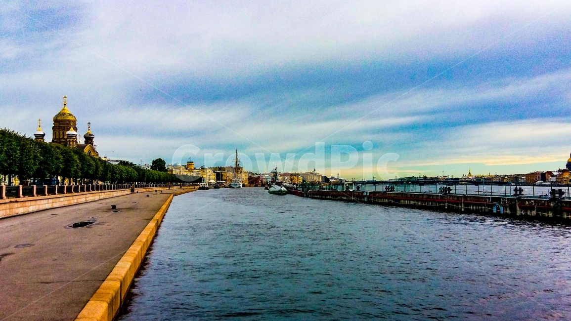 러시아관광여행, 네바강, 네바강변, 잠수함, 돔형건물