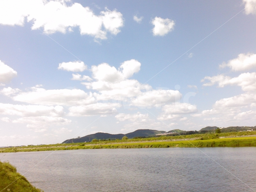 강물, 구름, 하늘, 초원, 풍경