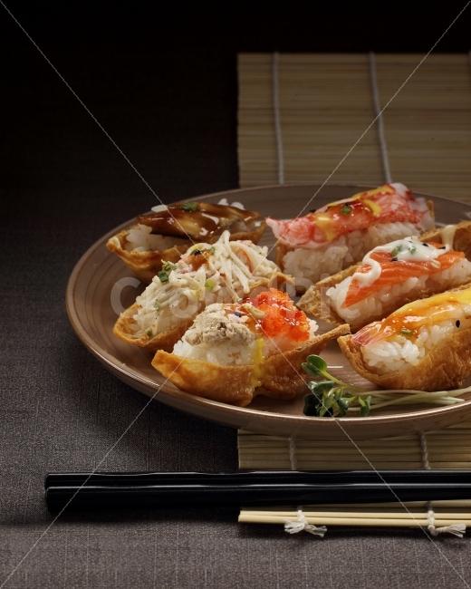 유부초밥, 연어, 새우, 장어, 초밥