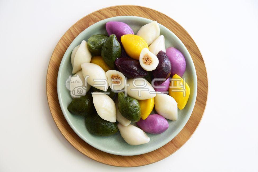 떡, 송편, 오색떡, 흰송편, 쑥송편