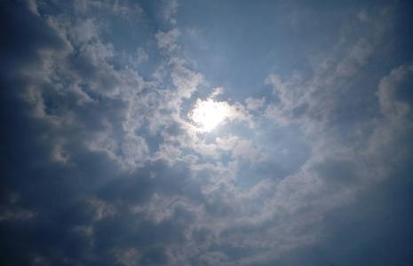 하늘-구름-태양-햇빛-조화로움