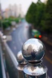 비-아파트-다리-물방울-거울
