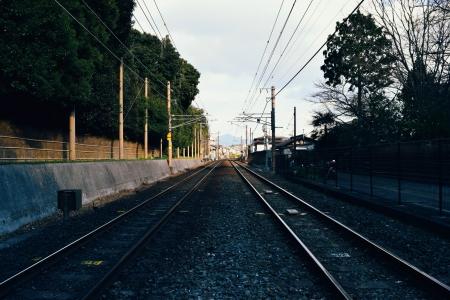 기차-철길-하늘-구름-햇빛