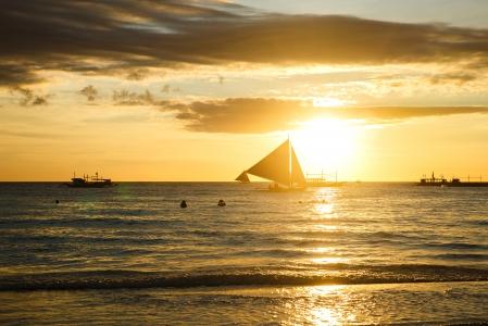 보라카이-일몰-바다-태양-요트