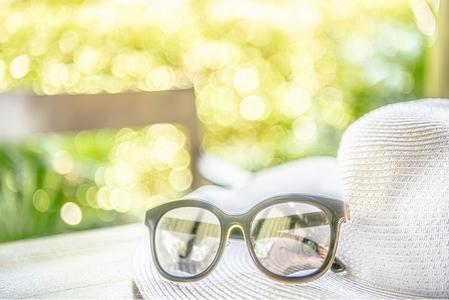 안경-모자-여름-해변-풀빌라