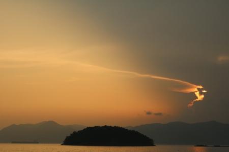 노을-바다-구름-자연-따뜻함