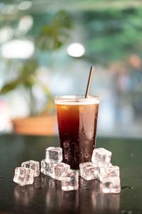 여름-휴식-아이스아메리카노-카페라테-카페