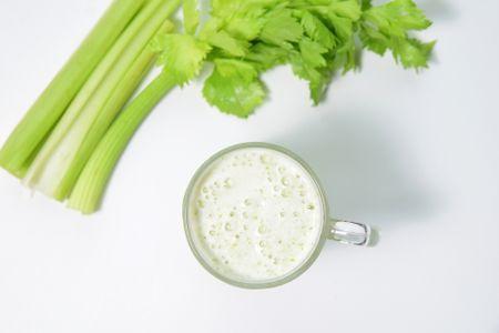 샐러리-샐러리음료-샐러리쥬스-야채-채소