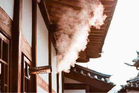 연기-김이모락모락-김-굴뚝-한옥마을