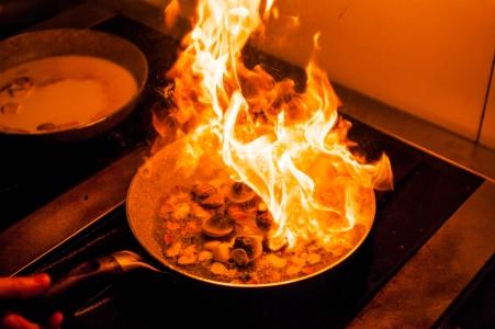 음식-불-파스타-요리-cook