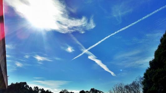하늘-구름-모양-라인-크로스