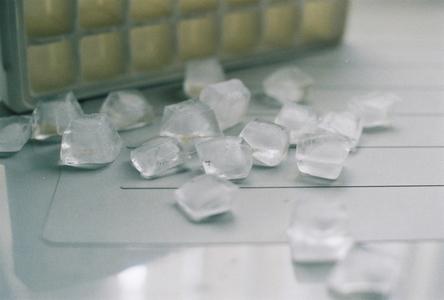 얼음-네모-아이스-ice-큐브