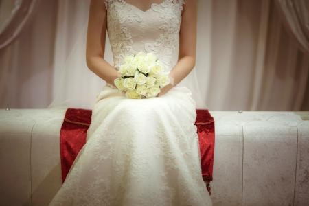 신부-부케-결혼식-시작-웨딩드레스