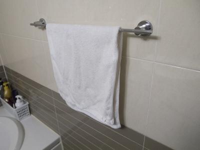 수건-화장실-젖은수건-걸레-손