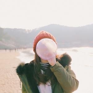 풍선-감성-감성사진-겨울-바닷가