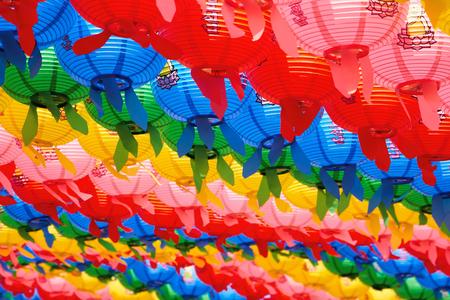 불교-연등-행사-색상-화려함