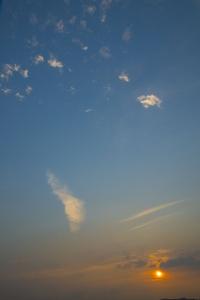 하늘-저녁-노을-그라데이션-구름