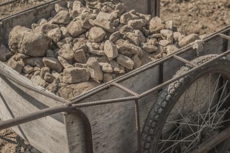 리어카-돌-지게-흙-바퀴