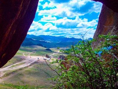 몽골관광여행-산맥-초원-비포장도로-전망